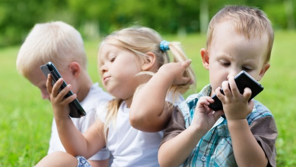 Tablets And Smartphones May Affect >> Tablets And Smartphones May Affect Kids Social And Emotional