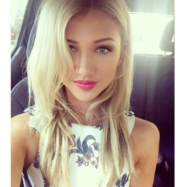 Thank for gorgeous blonde girl selfie
